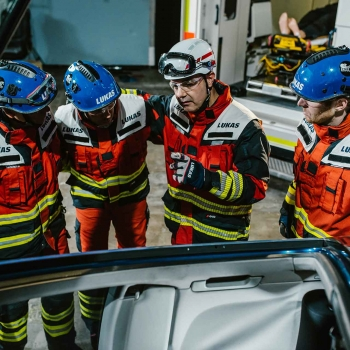 VEHICLE EXTRICATION - THE NEXT GENERATION: COMMUNICATION